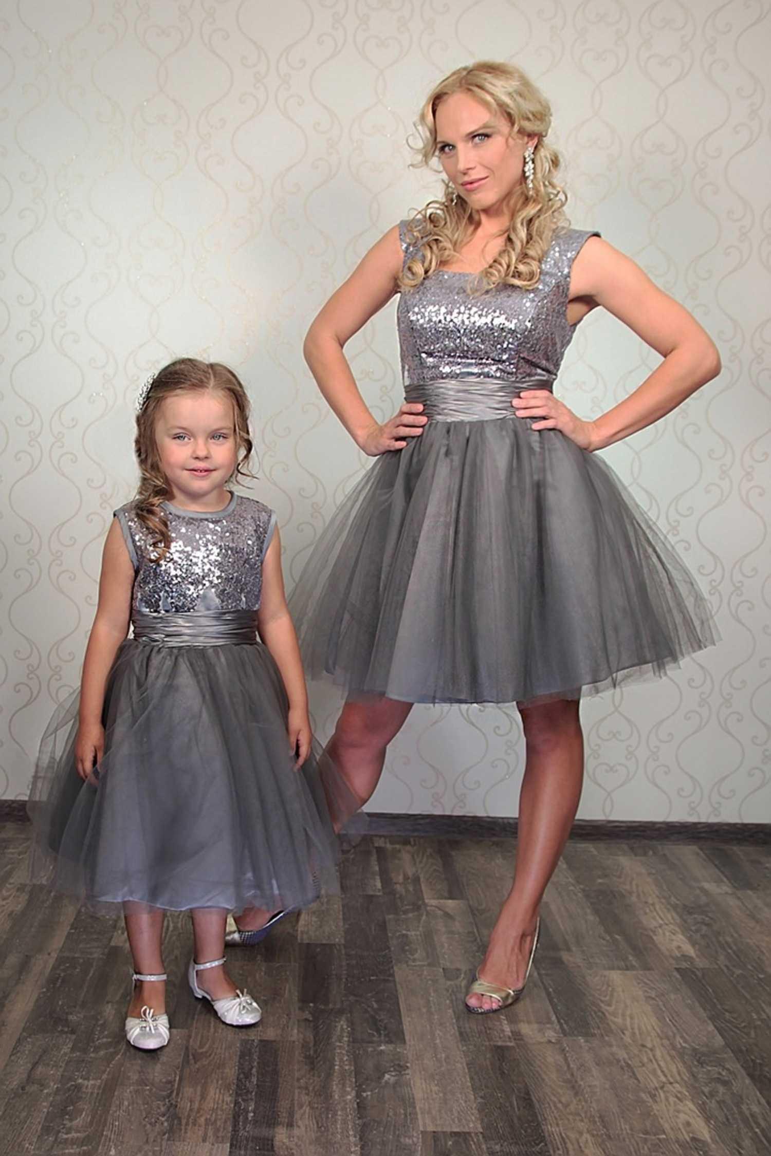 Платья праздничные маме и дочке