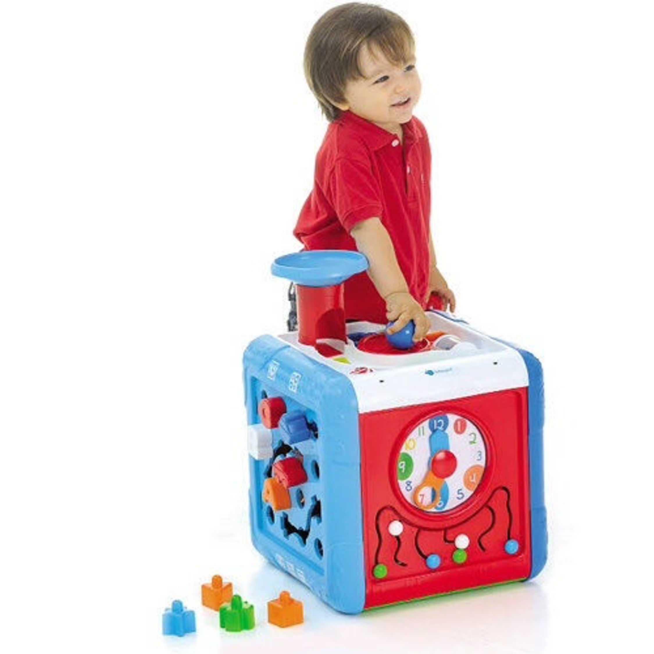 Подарок на 1 год мальчику: идеи 94