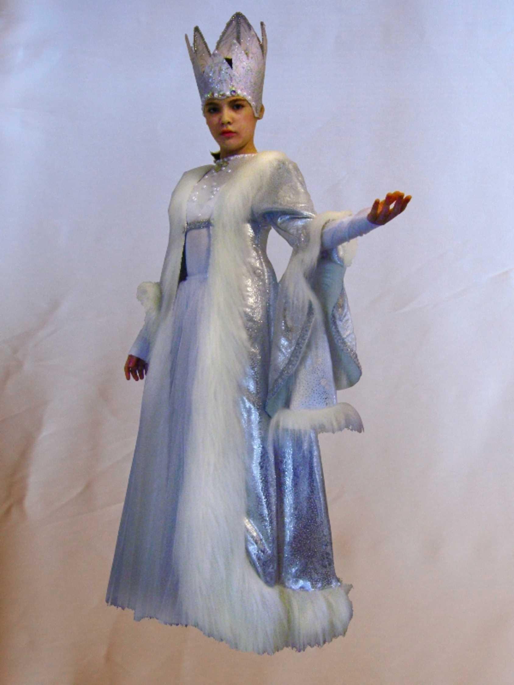 Сексуальный карнавальный костюм снежная королева думаю