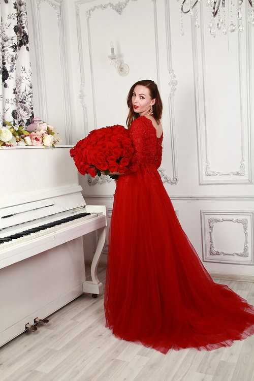 a71c79fcd7f Взять в прокат Женская одежда Платья Красное платье