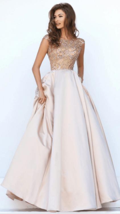 ef2a1b26a3d Взять НАПРОКАТ Платье Бальное платье Марсель. Цена - 8000 р. за 3 ...