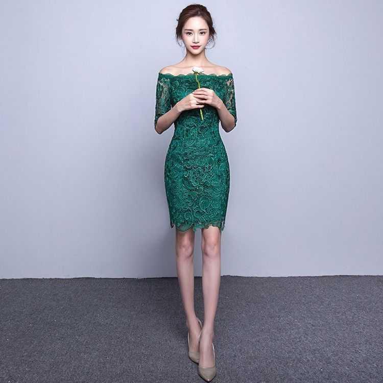 dd04d860f3b Взять в прокат Женская одежда Платья Кружевное платье-мини  Москва