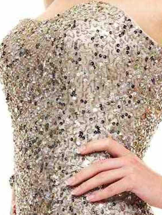 Взять в прокат Женская одежда Платья BG Haute  серебряное; Москва , улица Рождественка, 25 ул.; Описание: BG Haute вечернее платье, серебряное