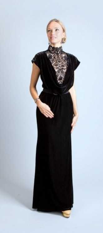 Взять в прокат Женская одежда Платья Tadashi вечернее платье; Москва , улица Рождественка, 25 ул.; Описание: Tadashi вечернее платье, бархатное