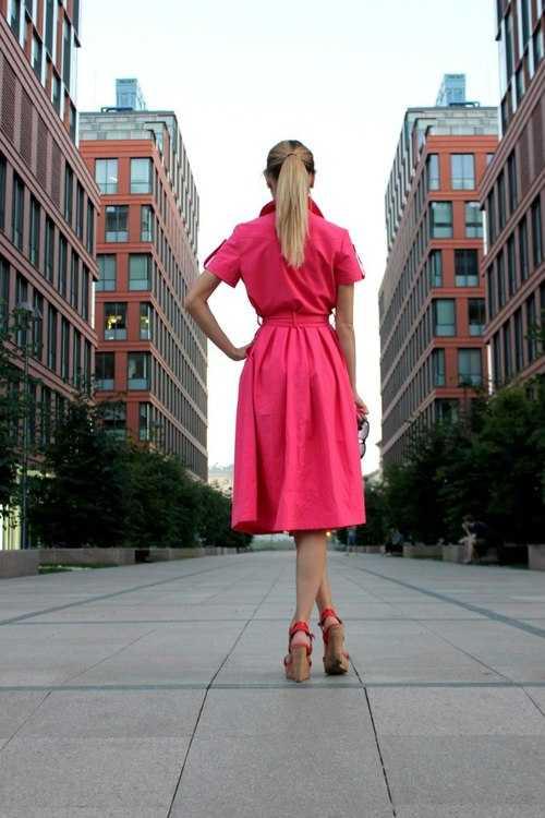 Взять в прокат Женская одежда Платья Джинсовое платье розовое; Москва , Кочновский проезд, 4к2 ул.; Описание: Яркое платье из джинсы