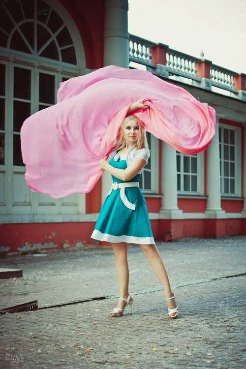 Взять в прокат Женская одежда Платья Ткань шифон для фотосессии; Москва , квартал Изумрудный ул.; Описание: Летящая ткань шифон розовая и бирюзовая,отлично подходит для фотосессии беременных, 3-4метра