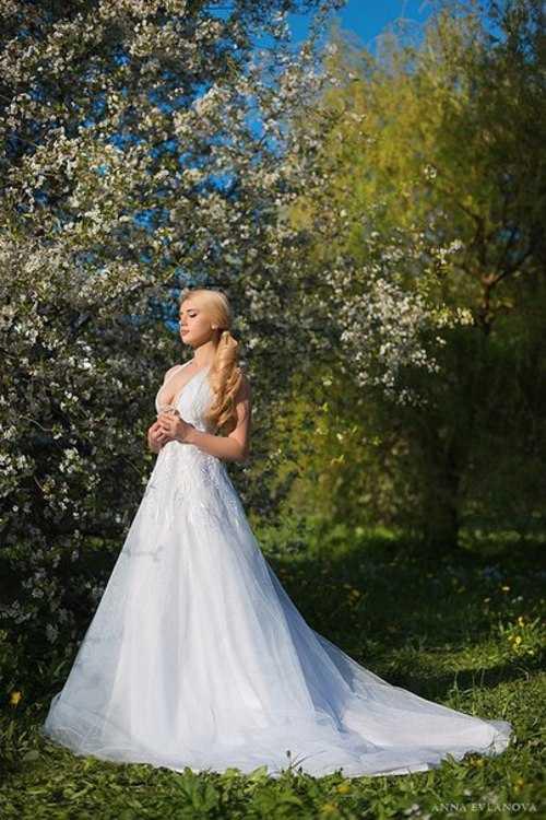 Взять в прокат Женская одежда Платья Spring; Санкт-Петербург , улица Ольминского, 6 ул.; Описание: