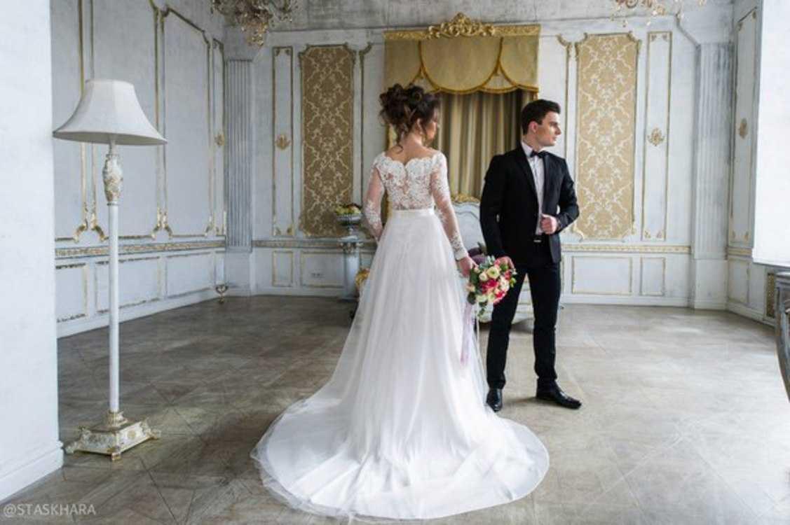 Взять в прокат Женская одежда Платья Sandra; Санкт-Петербург , улица Ольминского, 6 ул.; Описание: