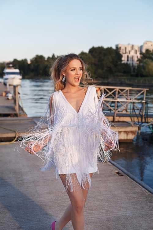 1ffb7a143da Взять в прокат Женская одежда Платья Белое короткое платье