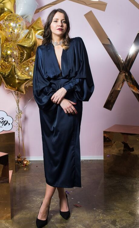 Взять в прокат Женская одежда Платья Платье миди с длинными рукавами; Санкт-Петербург , Конюшенная площадь, 2В ул.; Описание: