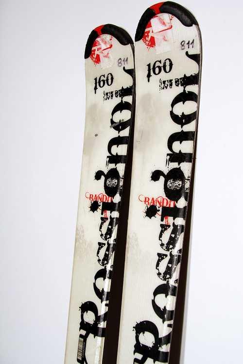 Взять в прокат Зимний инвентарь Горные лыжи Горные лыжи Rossignol Bandit 72 SC ; Москва , Москва ул.; Описание: 104-72-98