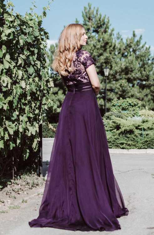 Взять в прокат Женская одежда Платья Фиолетовое платье Mac Duggal 195; Москва , Кадашёвская набережная, 22/1с1 ул.; Описание: