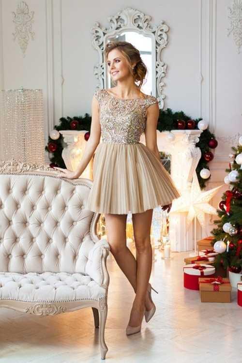 1dc485a5e36 Взять в прокат Женская одежда Платья Бежевое короткое платье SHERRI HILL   Москва