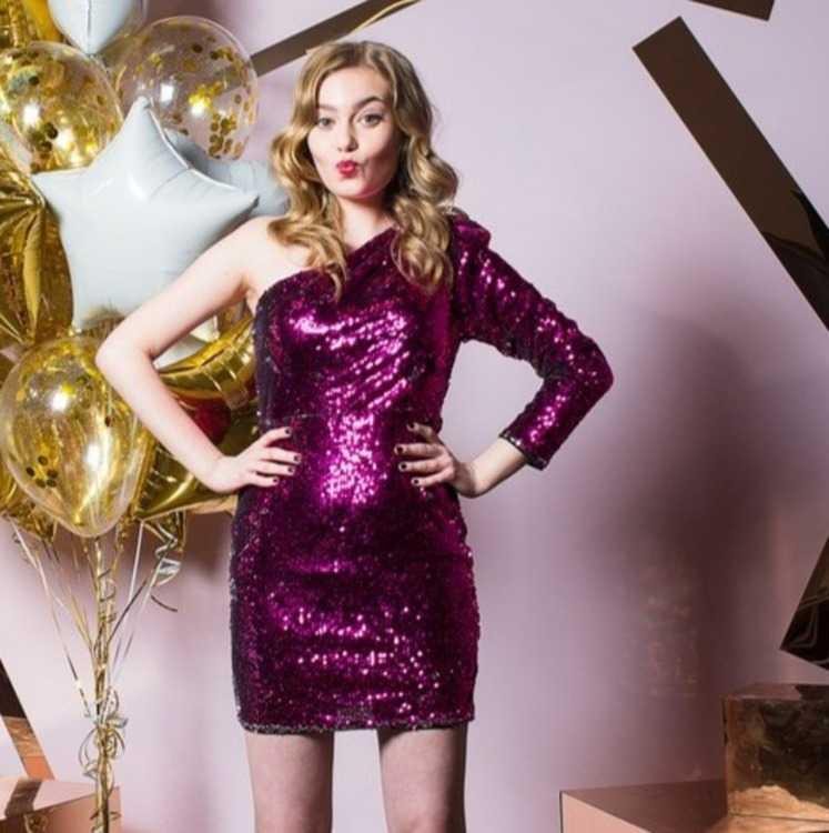 9507d1ae4b36b06 Взять в прокат Женская одежда Платья Платье мини на одно плечо TFNC;  Санкт-Петербург