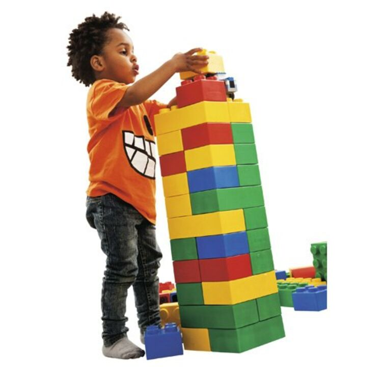 Взять в прокат Детские товары Игрушки Конструктор-гигант Giant Bricks ; Москва , Угловой переулок, 2 ул.; Описание: Конструктор Giant Bricks из крупных блоков для изготовления различных конструкций. Из блоков данного набора вы и ваш ребенок сможете собрать различные конструкции. Все детали взаимозаменяемы из конструктора данной серии.   В наборе 132 детаои  Оценочная стоимость - 3500 руб. 4 недели - 650 руб. 2 недели - 450 руб. 1 неделя - 300 руб. 12 мес. - 7 лет