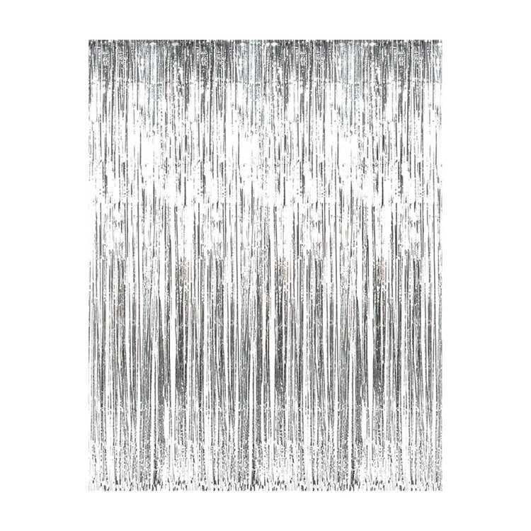 """Взять в прокат Архитектура Фотозоны и задники Фотозона серебряный дождик; Москва , Москва ул.; Описание: Стена из серебряного дождика. Можно использовать как задник за столом """"президиум"""" или как самостоятельную фотозону. Размер 2х3м или 3х2м Доставка просчитывается отдельно."""