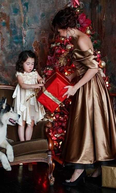 Взять в прокат Женская одежда Платья Gold lady; Москва , улица Правды, 24с3 ул.; Описание: