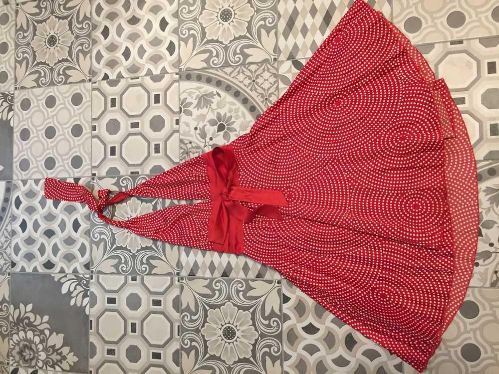 Взять в прокат Женская одежда Платья Красное платье в горох ; Балашиха , Проспект ленина 32б ул.; Описание: