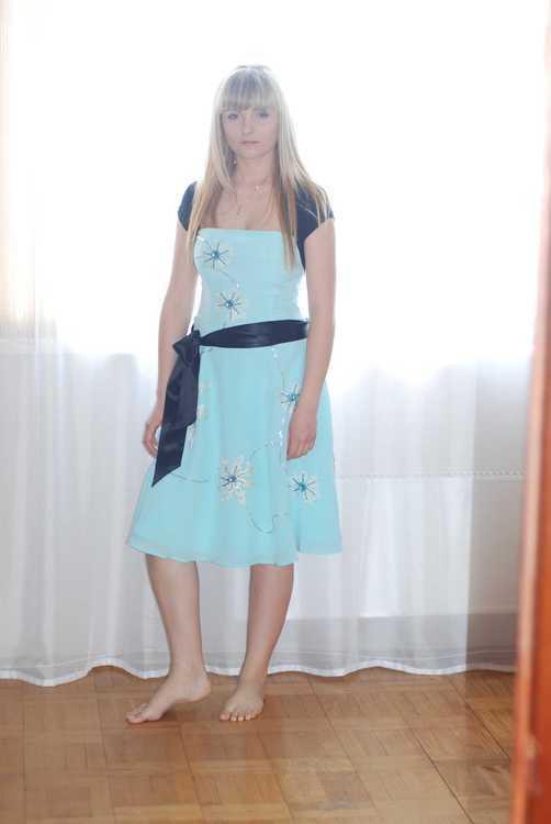 Взять в прокат Женская одежда Платья Платье коктейльное; Москва , Москва ул.; Описание: Платье Moonsoon 100% шёлк Нежно-голубого цвета. Бретели отстёгиваются В комплекте два пояса: чёрный и такой же как платье.