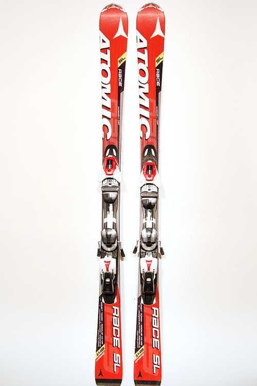 Взять в прокат Зимний инвентарь Горные лыжи Горные лыжи Atomic Race SL; Москва , Москва ул.; Описание: