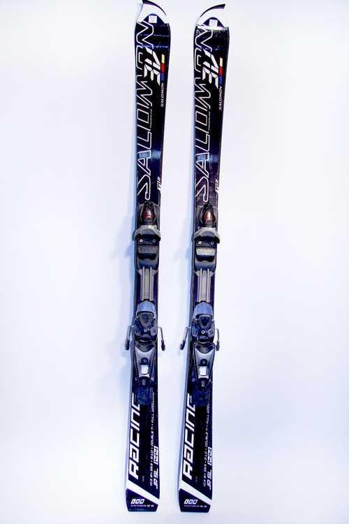 Взять в прокат Зимний инвентарь Горные лыжи Горные лыжи Salomon J 3V Race jr; Москва , Москва ул.; Описание: