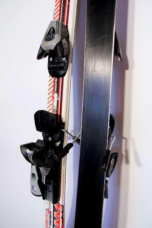Взять в прокат Зимний инвентарь Горные лыжи Горные лыжи Tecno Pro XT Team; Москва , Москва ул.; Описание: 107-65-88
