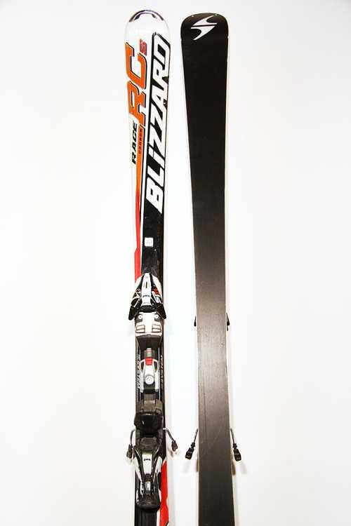 Взять в прокат Зимний инвентарь Горные лыжи Горные лыжи Blizzard Race RCs; Москва , Москва ул.; Описание: 121-68-105