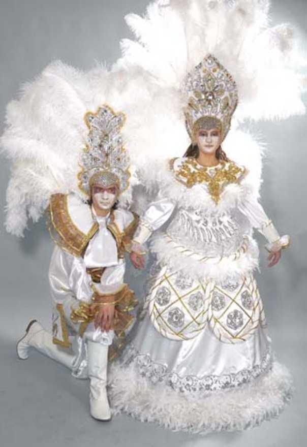Прокат карнавальных и театральных костюмов от 350 руб
