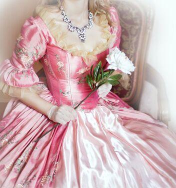 Платья бальное корсетное платье 18 век напрокат   Аренда и прокат – Москва
