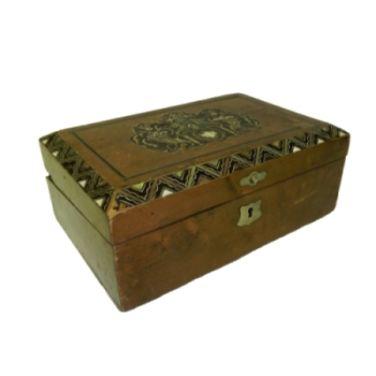 Ящики и чемоданы Шкатулка деревянная резная напрокат | Аренда и прокат – Москва