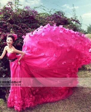 Платья Платье с цветами на юбке напрокат | Аренда и прокат – Санкт-Петербург