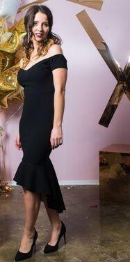 Платья Черное платье миди с оборками напрокат | Аренда и прокат – Санкт-Петербург