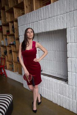 Аксессуары Красный бархатный клатч  напрокат   Аренда и прокат – Санкт-Петербург
