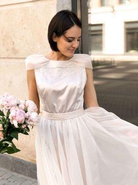 Платья Дизайнерское бежевое платье  напрокат | Аренда и прокат – Санкт-Петербург