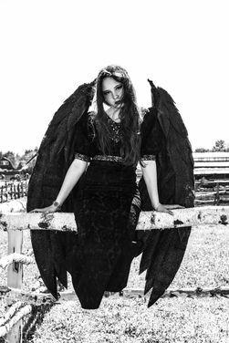 Нечистая сила Чёрные крылья напрокат | Аренда и прокат – Москва