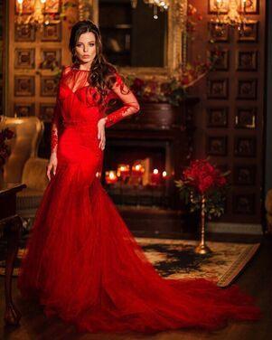 Платья Шикарное красное платье с шлейфом напрокат | Аренда и прокат – Санкт-Петербург