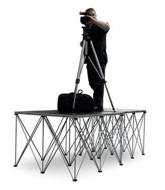 Сцены Подиум для видеооператора и камеры напрокат | Аренда и прокат – Москва