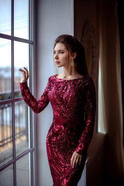 Платья Бордовое платье Valentino напрокат | Аренда и прокат – Санкт-Петербург