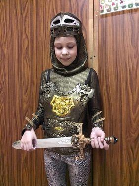 Королевский двор Рыцарь напрокат | Аренда и прокат – Санкт-Петербург