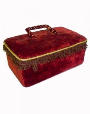 Ящики и чемоданы Шкатулка деревянная с бархатной отд напрокат | Аренда и прокат – Москва