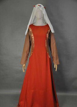 Исторические костюмы Средневековое платье горожанки напрокат | Аренда и прокат – Москва