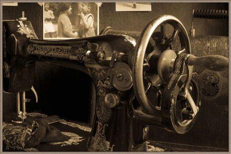 Ручной инструмент швейная машинка Зингер напрокат | Аренда и прокат – Москва