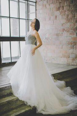 Платья Свадебное платье со шлейфом напрокат | Аренда и прокат – Москва