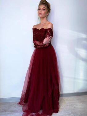 Платья Бордовое пышное со спущен плечами напрокат   Аренда и прокат – Санкт-Петербург