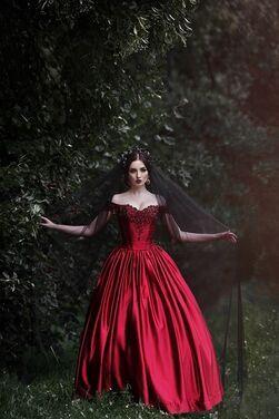 Платья Бордо напрокат | Аренда и прокат – Санкт-Петербург