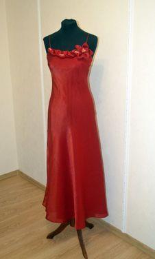 Платья Тёмно-красное вечернее платье напрокат | Аренда и прокат – Самара