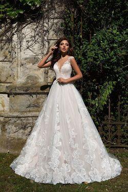 Платья Свадебное платье кружевное Lussano  напрокат | Аренда и прокат – Санкт-Петербург