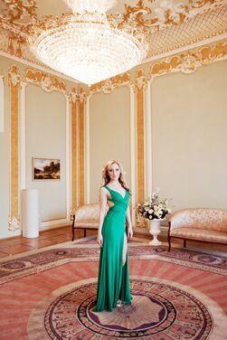 Платья Зеленое королевское платье напрокат | Аренда и прокат – Санкт-Петербург