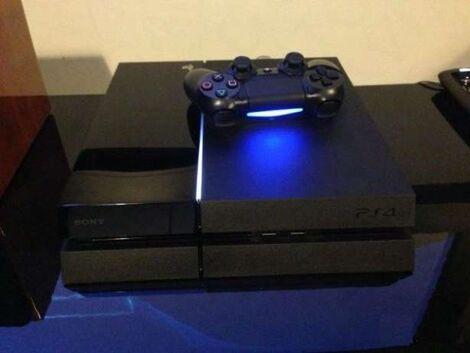 Sony Игровая приставка PlayStation 4 напрокат | Аренда и прокат – Новосибирск