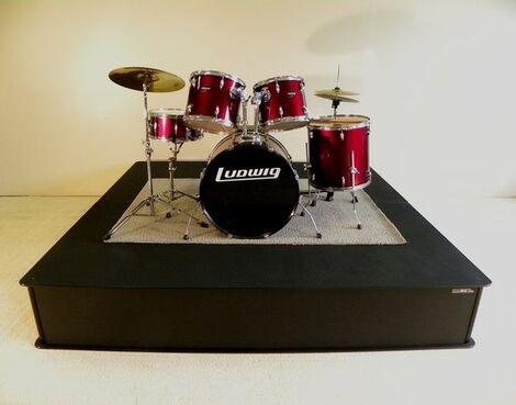Сцены Подиум для барабанов 3 х 2 напрокат | Аренда и прокат – Москва